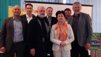 Zu Gast beim Energieforum in Kaufbeuren (von links): Eberhard Löffler (sonnen GmbH, Wilpoldsried), MdL Ludwig Hartmann (Fraktionsvorsitzender der Grünen im Bayerischen Landtag), Dipl. Ing. (FH) Martin Sandler VDI (Geschäftsführer EFG Sandler Solar- und Heizsysteme, Kaufbeuren) , Frank Backowies (Prokurist Stadtwerke Würzburg AG), Dr. Günter Räder (Vorstand Grünen-Kreisverband Ostallgäu/Kaufbeuren) und Hubert Endhardt (Grünen Kreisrat Ostallgäu).